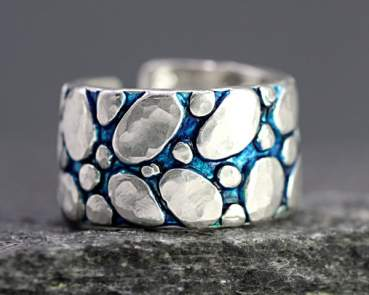 "River Bed Ring. Sterling pebble stones and blue turquoise ""water"""