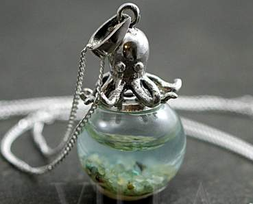 Sterling octopus seawater necklace