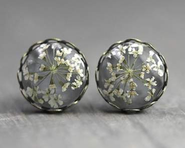 Real Flower Stud Earrings - light grey