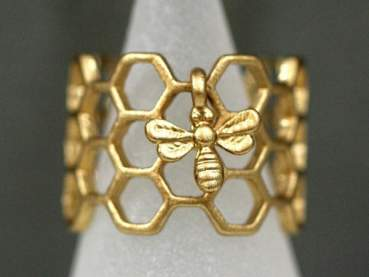 Honeycomb Ring with a tiny bee